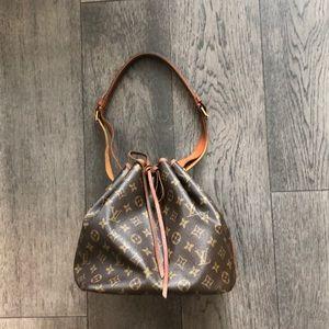 Louis Vuitton 100% Authentic Pettit Noe bag